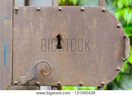 a closeup of an old door lock