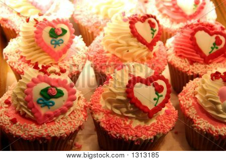 Sweet Heart Cup Cakes