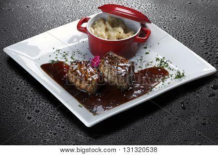 Filet mignon  sauce