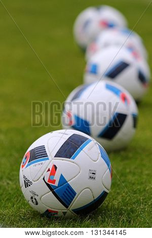 Official Matchballs Of Uefa Euro 2016 (adidas Beau Jeu)