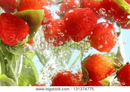 Detox Infused Water with Strawberry