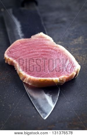 Tuna Tataki Filet on Yanagiba Blade