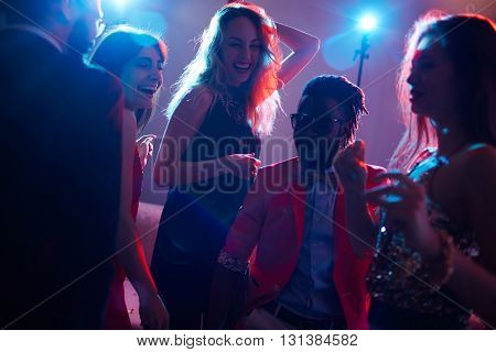 Friendly dancers