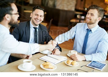 Agreement in cafe