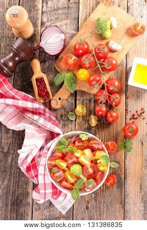 fresh tomato salad with basil