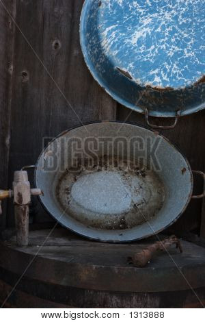 Barrel Head And Wash Pans