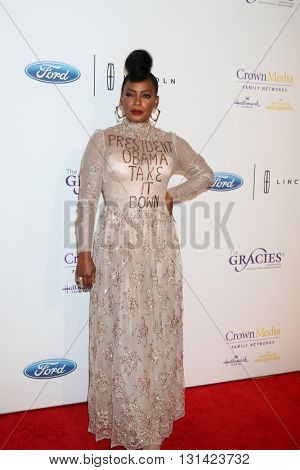LOS ANGELES - MAY 24:  Aunjanue Ellis at the 41st Annual Gracie Awards Gala at Beverly Wilshire Hotel on May 24, 2016 in Beverly Hills, CA
