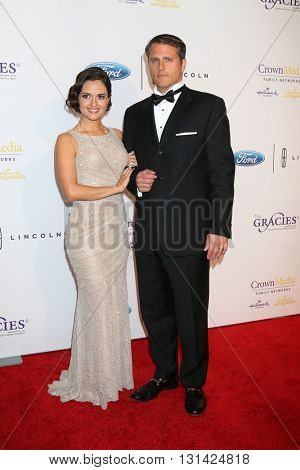 LOS ANGELES - MAY 24:  Danica McKellar, Scott Sveslosky at the 41st Annual Gracie Awards Gala at Beverly Wilshire Hotel on May 24, 2016 in Beverly Hills, CA