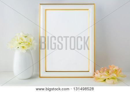 Frame mockup with ivory hydrangea. Frame mockup. Poster Mockup. Styled mockup. Product mockup. Design Mockup. White frame mockup. Gold frame mockup. Ivory hydrangea