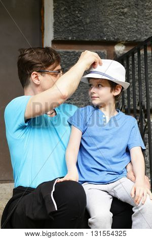 relationship between father and son - family happiness