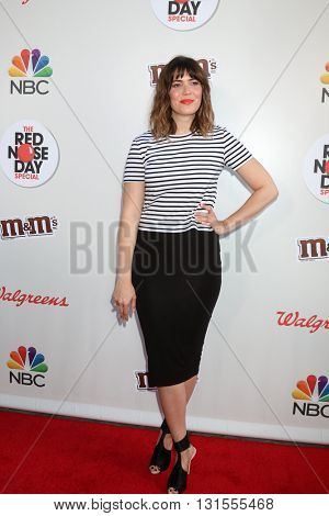 LOS ANGELES - MAY 26:  Mandy Moore at the Red Nose Day 2016 Special at Universal Studios on May 26, 2016 in Los Angeles, CA