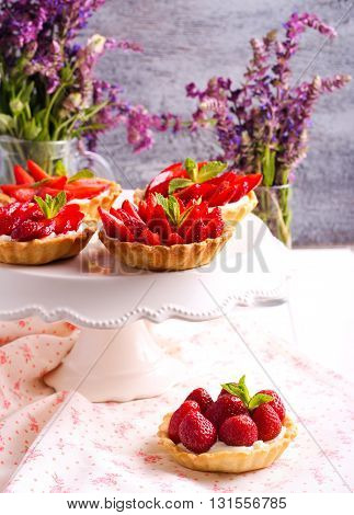 Strawberry and cream cheese mini cakes on plate