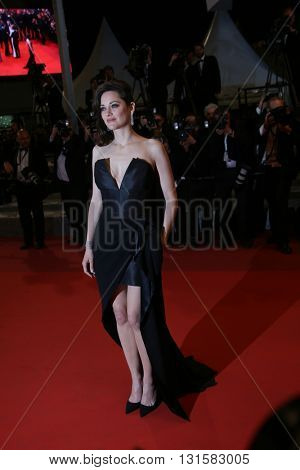 Marion Cotillard attends the 'It's Only The End Of The World (Juste La Fin Du Monde)' Premiere during the 69th annual Cannes  Festival at the Palais des Festivals on May 19, 2016 in Cannes, France.