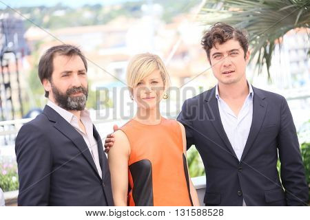 CANNES, FRANCE - MAY 19: Riccardo Scamarcio, Marina Fois attends the 'Percile Il Nero' Photocall during the 69th annual Cannes  Festival at the Palais des Festivals on May 19, 2016 in Cannes, France.