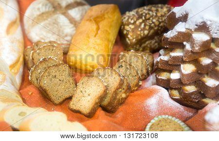 Cut bread on the shelves