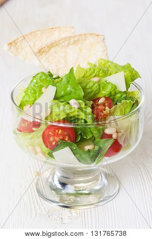 salad bowls lettuce kremanki glass isolated, pieces of loaves tomatoes, healthy diet, figure, slimness, low-calorie,