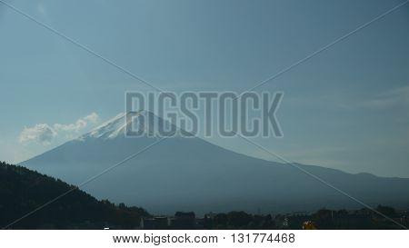 Breathtakingly beautiful Mount Fuji in autumn from Kawaguchi - Japan