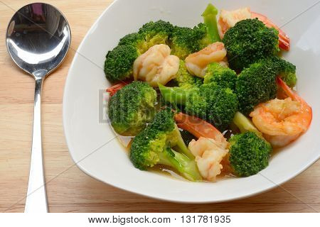 close up Vegetables, stir-fried broccoli with shrimp