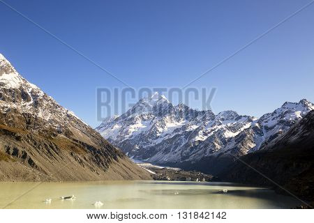 New Zealand scenic mountain landscape shot at Mount Cook National Park