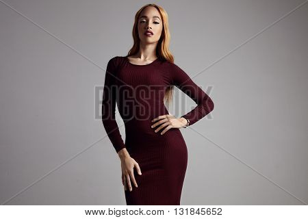 Black Woman With A Blondy Hair Wears Skinny Dress