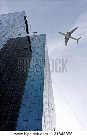 TEL AVIV ISRAEL - FEBRUAR 12 2010: Passenger plane comes in to land at Ben Gurion Airport near Tel Aviv