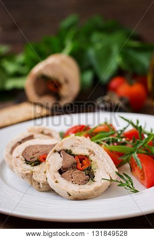 Diet Baked Chicken Rolls Stuffed Liver, Chili And Herbs With A Salad Of Tomatoes And Arugula. Dietar