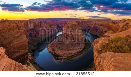 Amazing Sunset Vista of Horseshoe Bend in Page Arizona