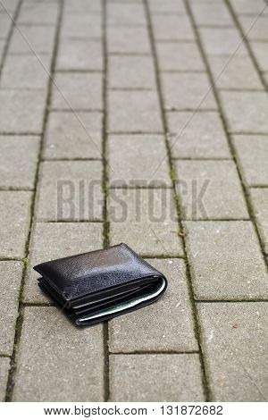 Lost Black Wallet