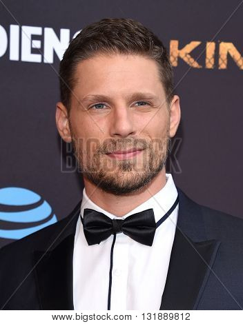 LOS ANGELES - MAY 25:  Matt Lauria arrives to the
