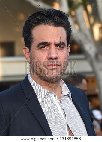 LOS ANGELES - MAY 16:  Bobby Cannavale arrives to the