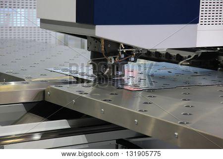 High precision CNC sheet metal stamping and punching machines