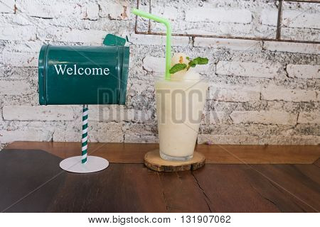 welcome sign welcome to coffee shop welcome drink welcome juice welcome with lychee frappe welcome back welcome to shop welcome all customer / welcome sign and welcome lychee juice