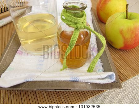 Homemade hair conditioner with apple cider vinegar
