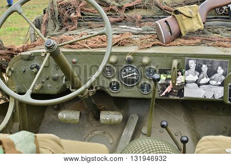 Verneuil sur Seine France - september 9 2015 : old car of the second world war in air show of Verneuil sur Seine