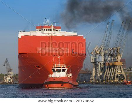 Huge Vessel