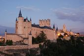 image of zar  - The Alcazar of Segovia at dusk Spain - JPG