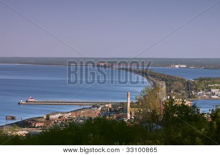 Lake Superior Shores In Duluth