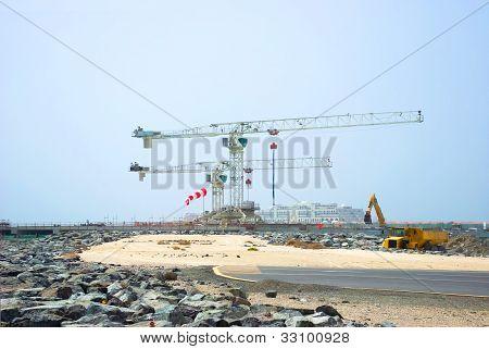 Construction Cranes in Duba