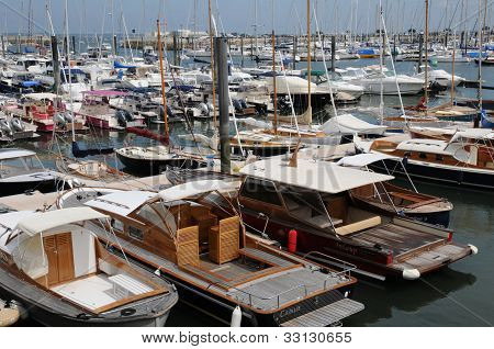 Gironde, Sailing Ships  In The Port Of Arcachon