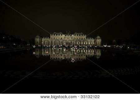 Nigth View To Belvedere Palace