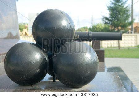 Gun Kernels On A Pedestal