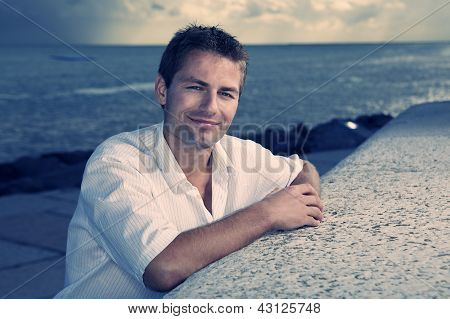 Goodlooker on the beach