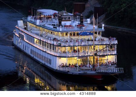 Evening Cruise, General Jackson