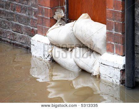 Defensas de inundación