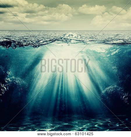 Under The Ocean Surface, Abstract Natural Backgrounds