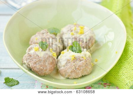 Meat Bolls With Lemon Sauce