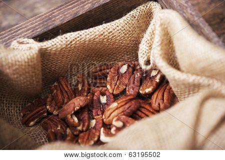 Pecans In Linen