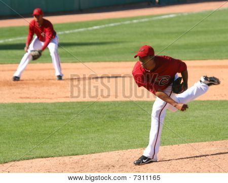 Esmerling Vasquez pitches in an Arizona Diamondbacks game