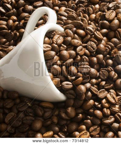 Coffee cup & coffee beans