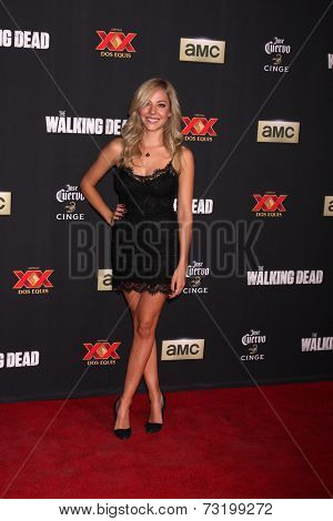 LOS ANGELES - OCT 2:  MacKenzie Porter at the